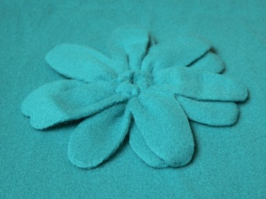 türkiz virág