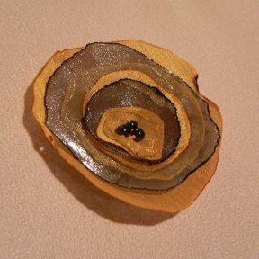 sárgás-szürkés, 6 cm-es