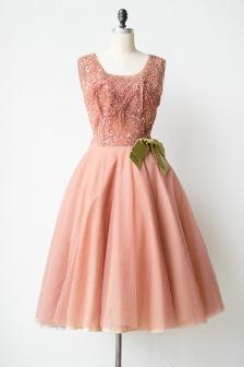 9. ó, micsoda ruha :)