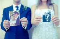 kedves ötlet: fotó a szülők esküvői képeivel