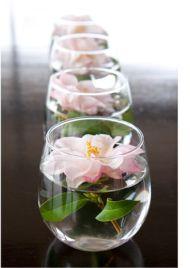 egyszerű, virágos asztaldísz