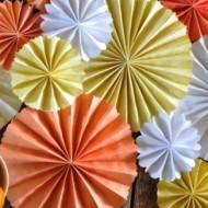 legyezőszerű papír díszek
