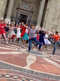 Flash mob a Bazilikánál