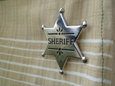 sheriff jelvénnyel