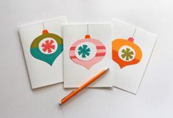 karácsonyfadíszek színes papírból