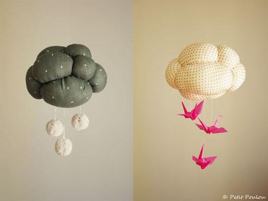 karfiolfelhő pomponokkal és madárkákkal